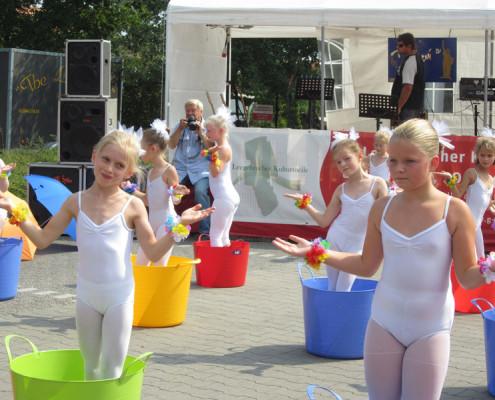 Kinderauftritt von Dance Point auf der Kulturmeile