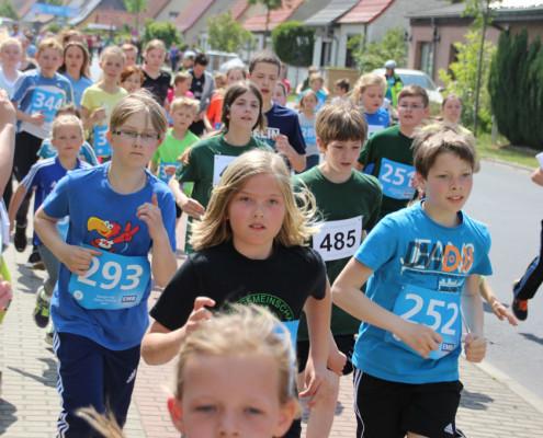 nach dem Start des Kinderlauf II (Foto: Giso Siebert)