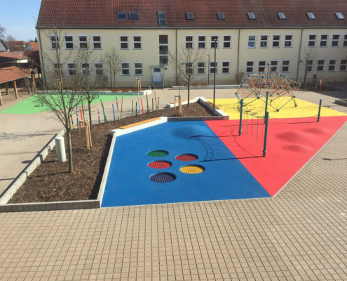 Der neue Schulhof im März 2018 (Foto: Giso Siebert)